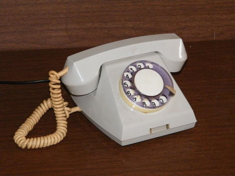 landline_phone-800x600