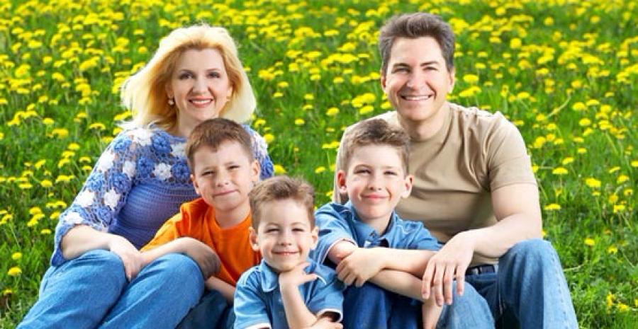 Многодетные семьи получат в дар земельный участок.