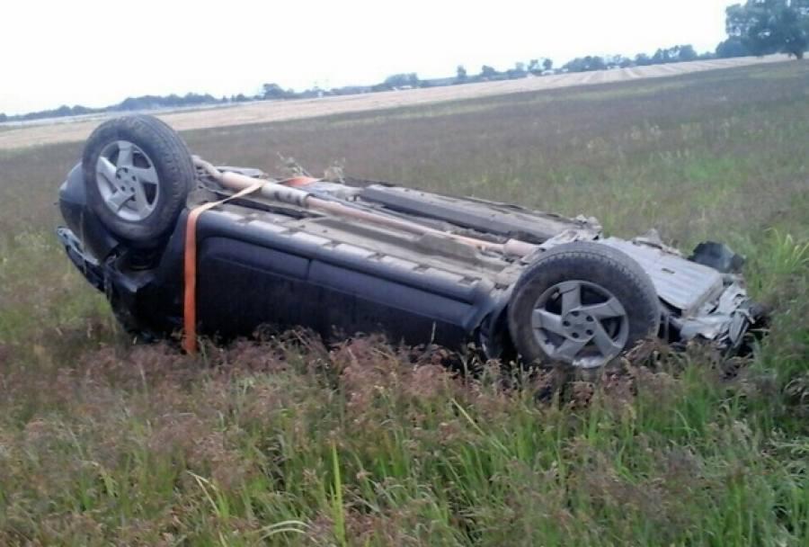 НаМ1 непристегнутого пассажира выбросило изперевернувшегося Рено Duster— онскончался