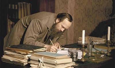 Актёр Евгений Миронов для сериала перевоплотился в Достоевского.