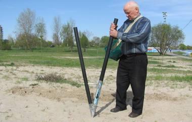 Гомельчанин изобрел аппарат для посадки картошки (ВИДЕО)